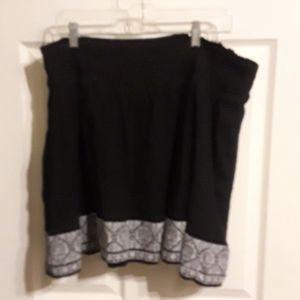 Old Navy Black white trim xl skirt